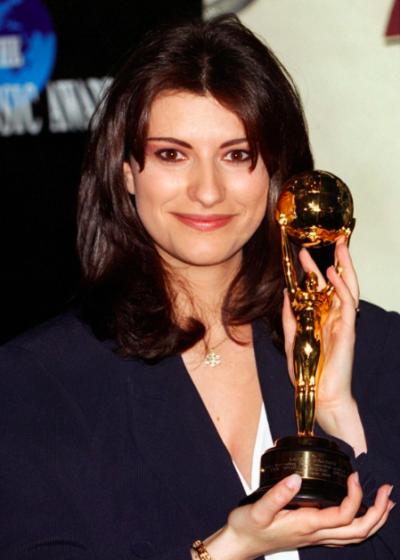 25 Anni Di Laura Pausini Ecco Tutti I Singoli Usciti