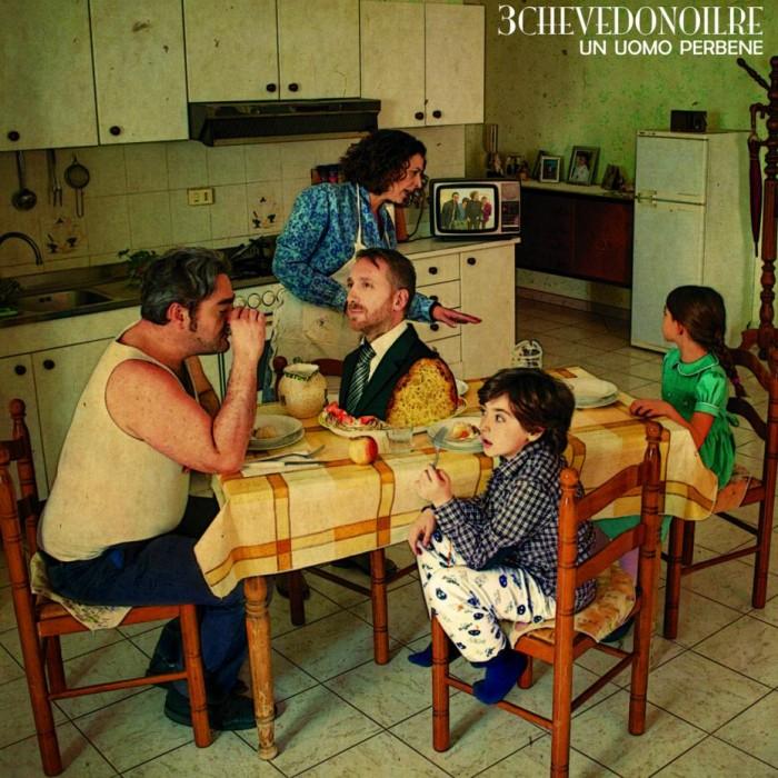 3chevedonoilre-un-uomo-perbene-copertina