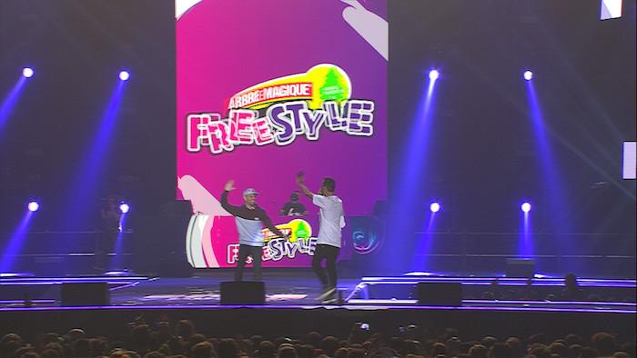I vincitori durante l'esibizione