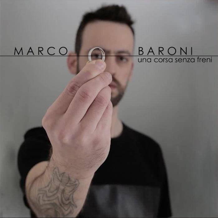 marco-baroni-una-corsa-senza-freni-copertina